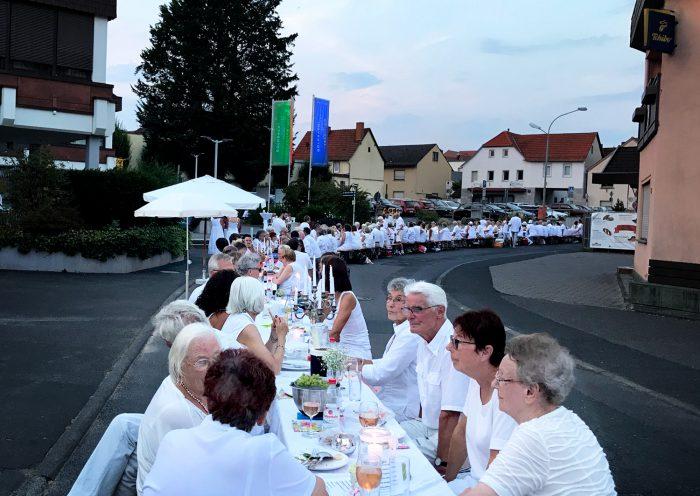 Weißes Dinner